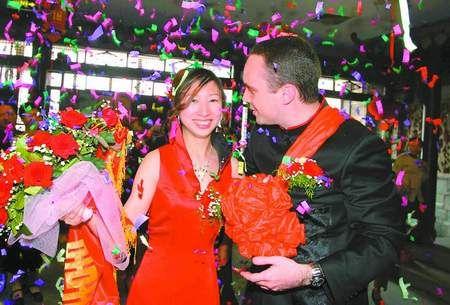 嫁中國人還是嫁西方人跨國婚姻成少敗多