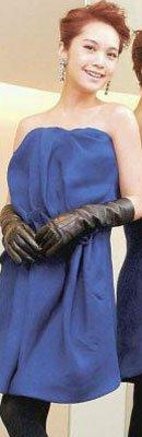 杨丞琳身着lanvin 2011秋冬系列蓝色小洋装