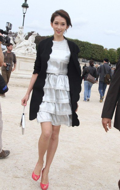学林志玲的a气质气质车模装扮女神性感透视晚礼服图片