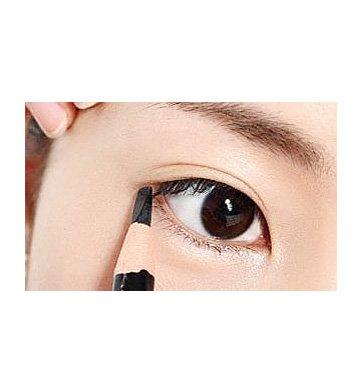 简洁有力  教你画出完美眼妆