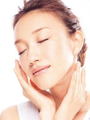 8大眼霜使用法让你越擦越老