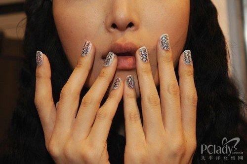 好看的指甲花纹