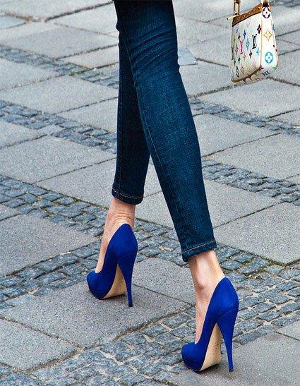 爱上工厂高跟鞋的女人广州理由情趣用品图片