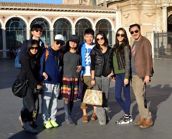 超模秦舒培,右三子怡-腾讯时尚独家跟拍72小时 章子怡街头吃冰萌图片