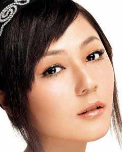 分区点睛修容术打造精致妆容