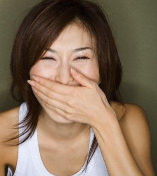 口臭舌头白是什么原因_女人口臭是怎么回事