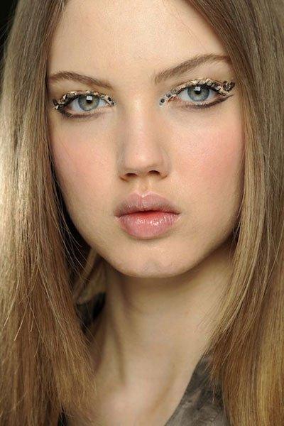 给眼妆加点料 水钻眼妆新潮流