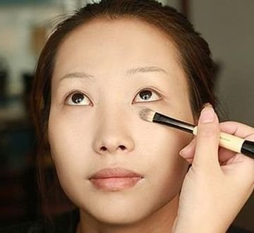 魅惑猫眼妆 打造立体轮廓