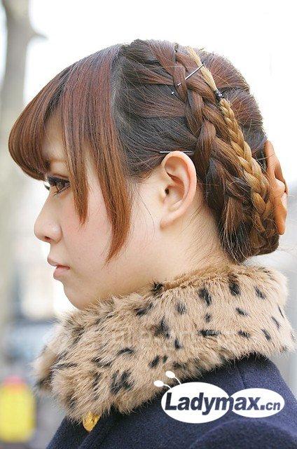 春日发型做减法 长发编辫最靠谱