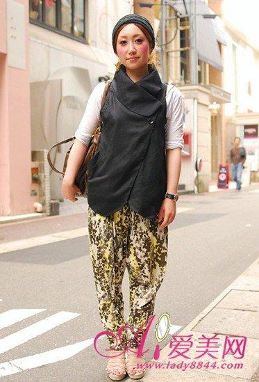 日本街头古怪哈伦裤大行其道