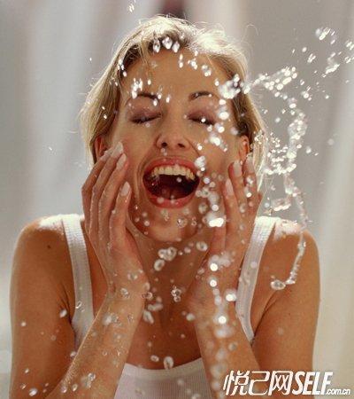 错误洗脸导致毁容 正确洁面法则