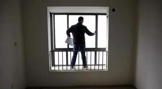 乐山人买房为什么不要选顶楼?后果你承受不起!
