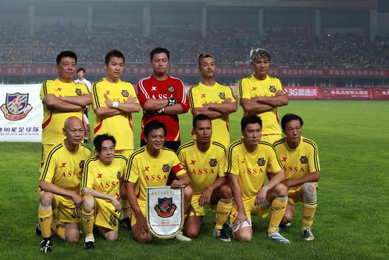 本月末明硕大厦力邀香港明星足球队举行慈善捐赠仪式
