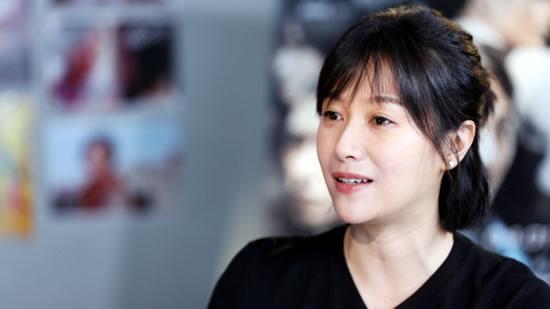徐静蕾被封宇宙好老板 自曝全公司曾带薪休假两年