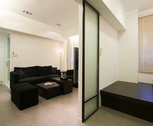 玄关屏风隔断效果图:现代设计的屏风门,装饰自然清新