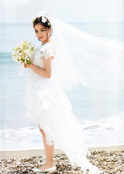 日本16岁千年美女桥本环奈婚纱照曝光