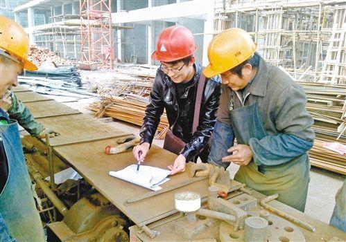 全球华人第一狂人!一个包工头缔造出了世界500强企业比肩华为
