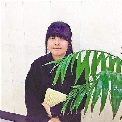 17岁女生获作文大赛一等奖 14所高校抛出橄榄枝