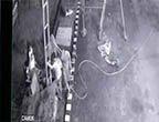 监拍印尼加油站储料罐突然爆炸 检修员工瞬间人仰马翻