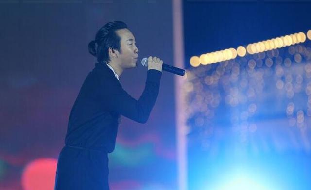 热高乐园演唱季启幕 李玉刚携众歌手盛夏抚顺放歌