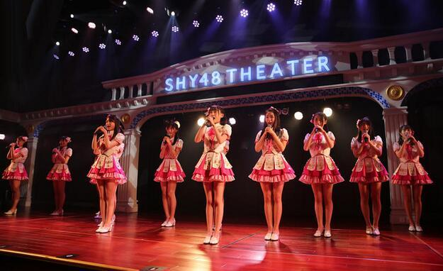 【饭娱乐圈】看完这18个萌妹子表演 沈阳男粉丝失恋被女友拉黑