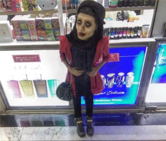 """伊朗女子想变安吉丽娜·朱莉,整容50余次惨变""""僵尸新娘""""!"""