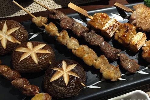 东京街头富士山下 日本经典美食排行