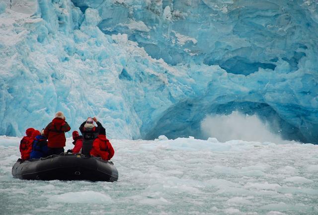 对中国免签 去熊比人多的冷岸群岛 感受日不落的乌托邦天堂