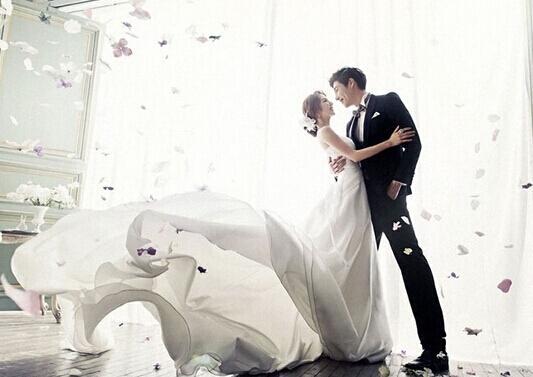 创意婚纱照pose大全 记录甜蜜时刻图片