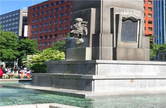 夏季的札幌大通公园是水的乐园