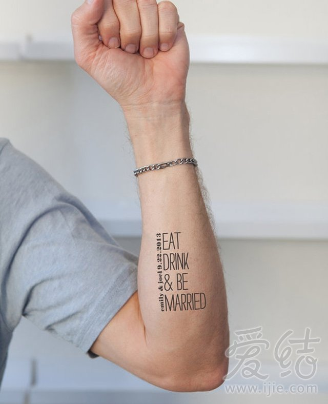 主题纹身贴纸正流行