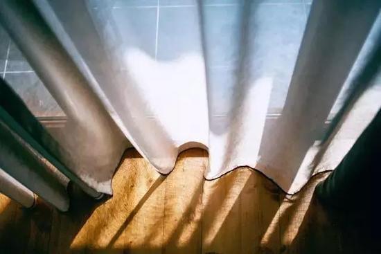 长期不洗窗帘比马桶还脏,连保洁阿姨都不懂