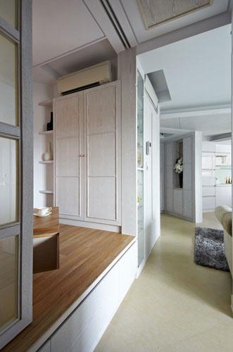 卧室设计    设计重点:更衣室    编辑点评:不足56平的空间规划,使