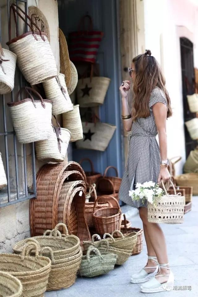 法国女孩们夏季必备的8件时尚单品