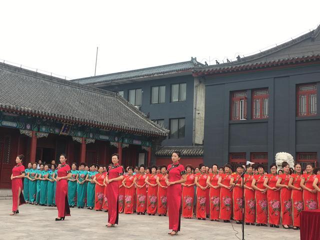 抚顺新宾县举行首届旗袍国际文化节