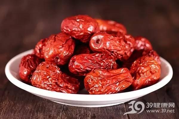 红枣干吃好还是泡水好?这9种吃法最养生