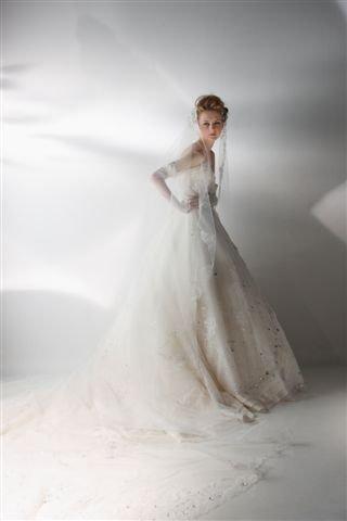 国际著名婚纱设计师桂由美专访