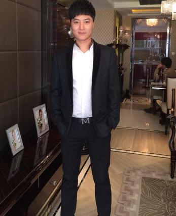 谈恋爱:似冯绍峰的齐刘海萌帅男心仪专一女孩