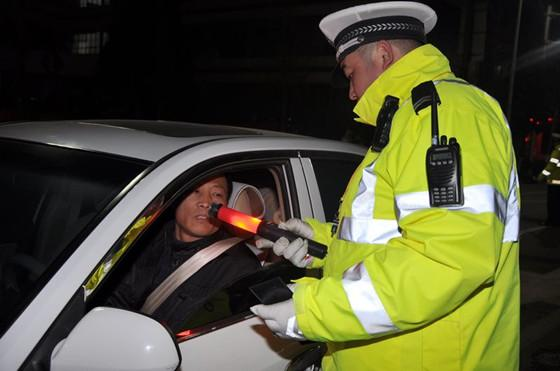 交警将专项整治7类交通违法行为