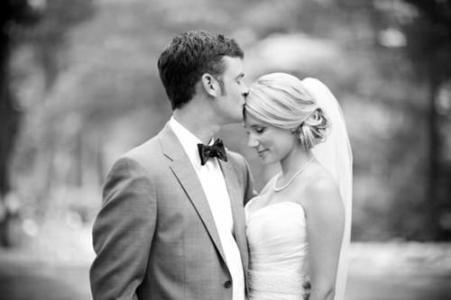 平胸新娘拍婚纱照 掌握四点更自信
