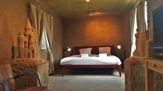 这间用沙子建造的旅馆 你有勇气住吗?