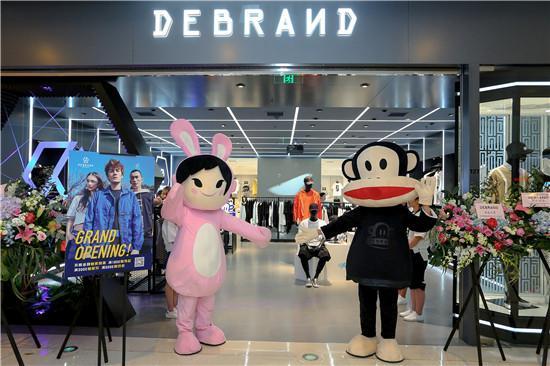 吴克群主理潮牌DEBRAND沈阳店重磅启幕