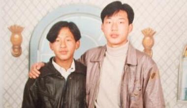 宋小宝和焦小龙(ps:小宝当年的发型酷毙了)图片