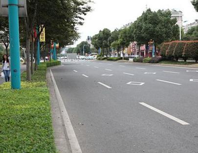 夏季达沃斯期间实行道路交通限行 控制机动车污染排放