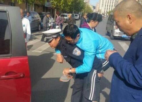 双节期间边境游火爆 38万余次车辆进出丹东