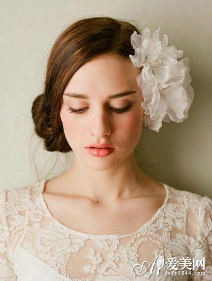 简单实用 浪漫盘发令新娘更唯美图片