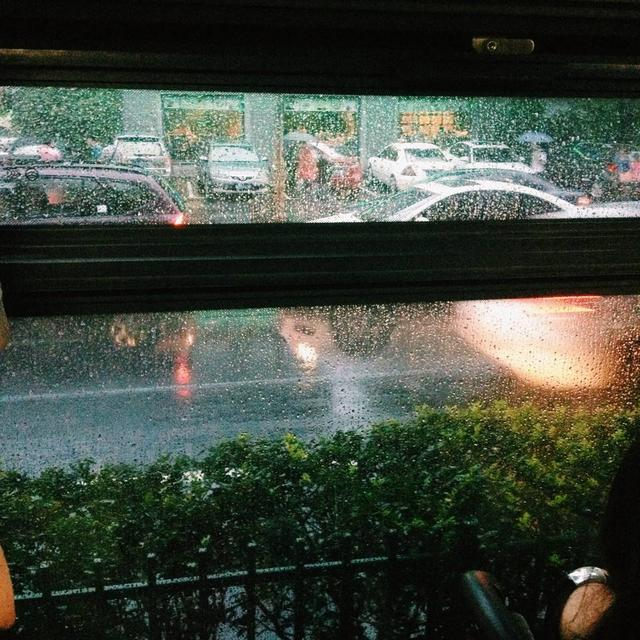沈阳公交线路雨天全时段加密车隔 前后门均可上车