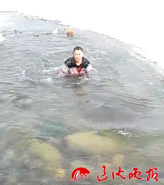辽宁男子拍视频生吃活鸡 引网友质疑