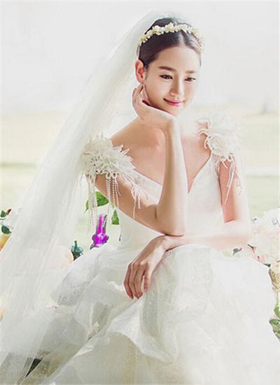 韩式婚纱照新娘造型图片 优雅梦幻