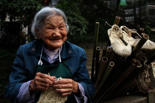 辽宁80岁以上老人可随子女落户